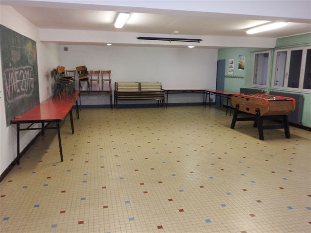 h bergement chalet ado 70 personnes. Black Bedroom Furniture Sets. Home Design Ideas